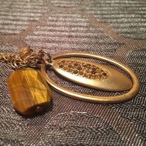 Gold finish necklace with breloques